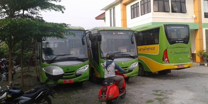 sewa bus bekasi ibistrans.com foto unit transpatriot