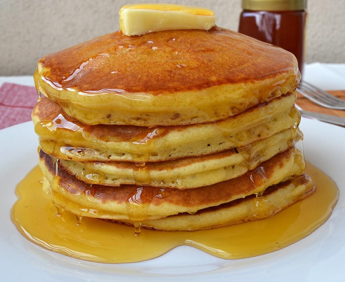 Cara-Membuat-Pancake-Tanpa-Mixer